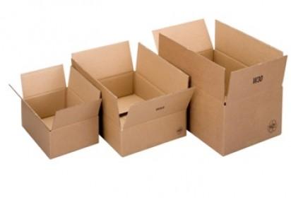 Vi tilbyr emballasje i bølgepapp og kraftwell.